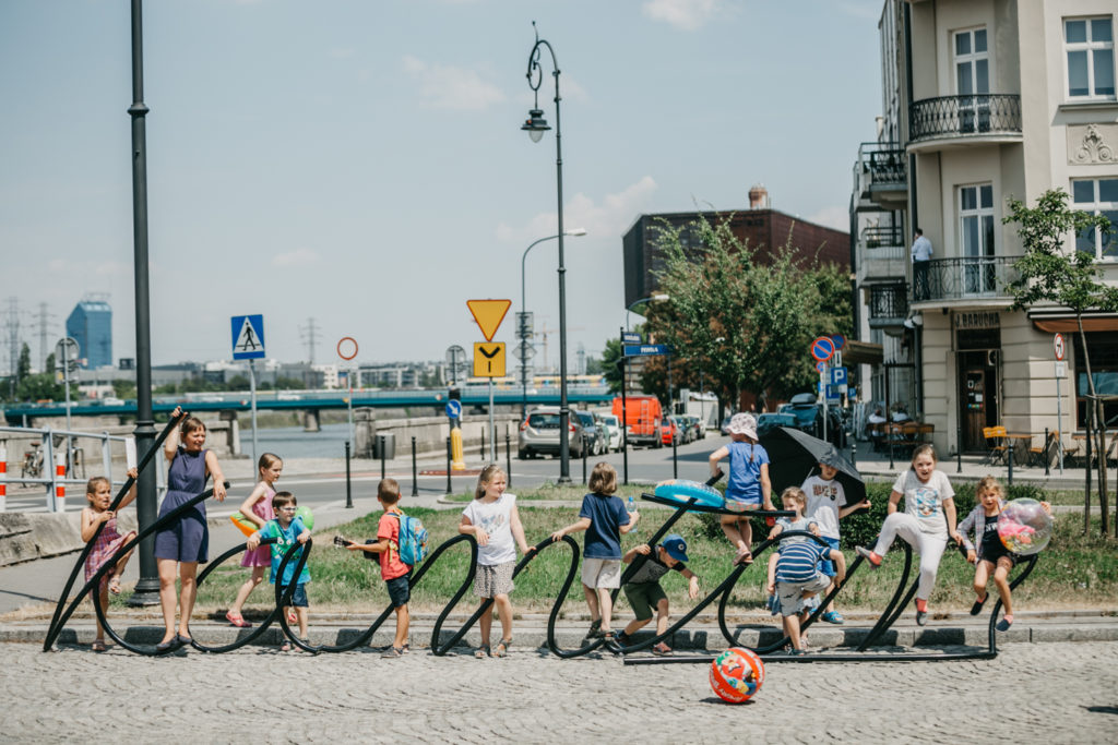 Dzieci podczas półkolonii przed Cricoteki, fot. Studio FILMLOVE