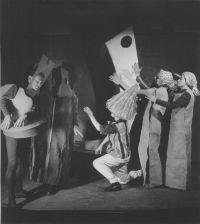 Balladyna, 1943, Act One. Rehearsal. Kirkor: J. Turowicz, Hermit: H. Jasiecki, Grabiec: T. Brzozowski, Alina: K. Zwolińska, Mother: E. Siedlecka, photo W. Witaliński