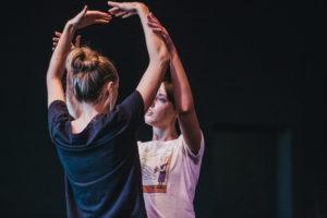 [Kobiety podczas warsztatów tanecznych]