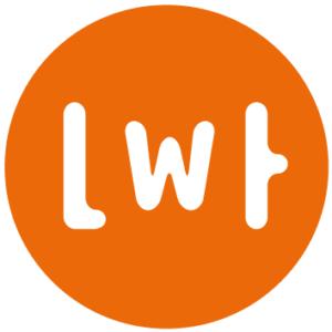 Logotyp Lata w teatrze. W pomarańczowym kole litery Lwt